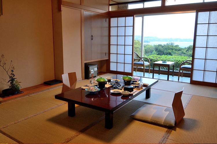 http://www.umemaru.co.jp/wp-content/uploads/2015/08/foodroom3.jpg